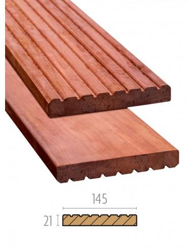 Planches de terrasse rainurées et lisses