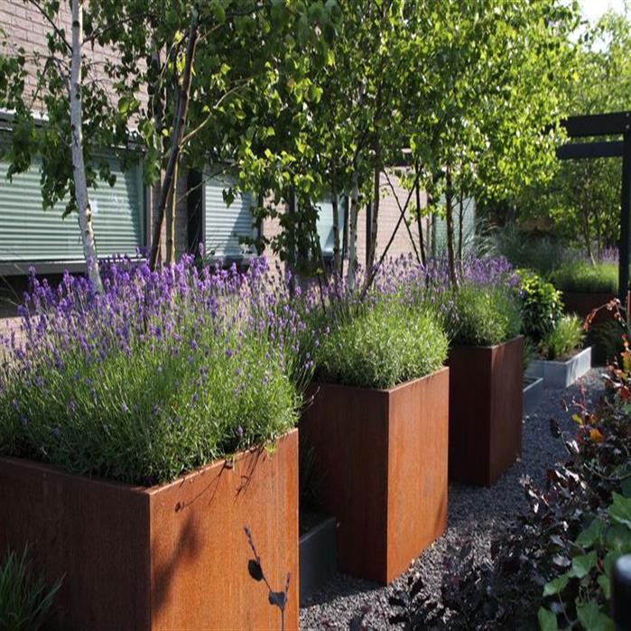 bac à fleurs carré en acier Corten pour arbustes
