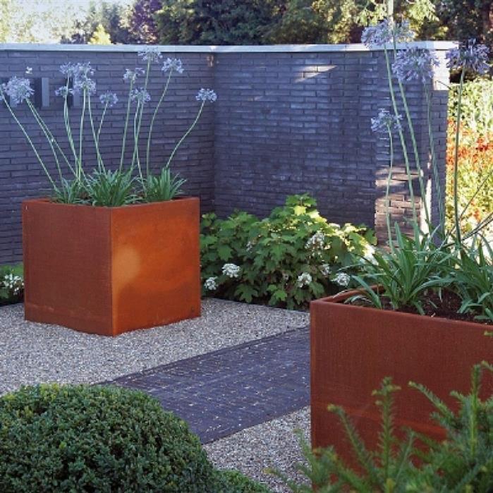 bac à fleurs carré en acier Corten pour planter grandes plantes