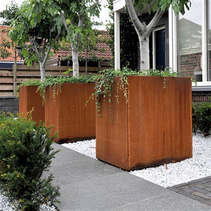 bac à fleurs carré en acier Corten pour plantation arbre