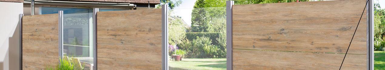 palissades et écran de jardin en bois composite, aluminium, verre et pvc