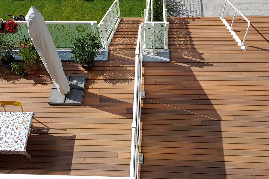 lame de terrasse en bois composite imitation bois Ipé