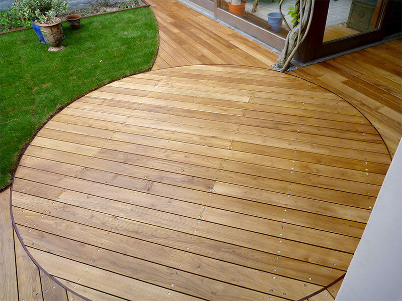 plancher extérieur en thermowood pin