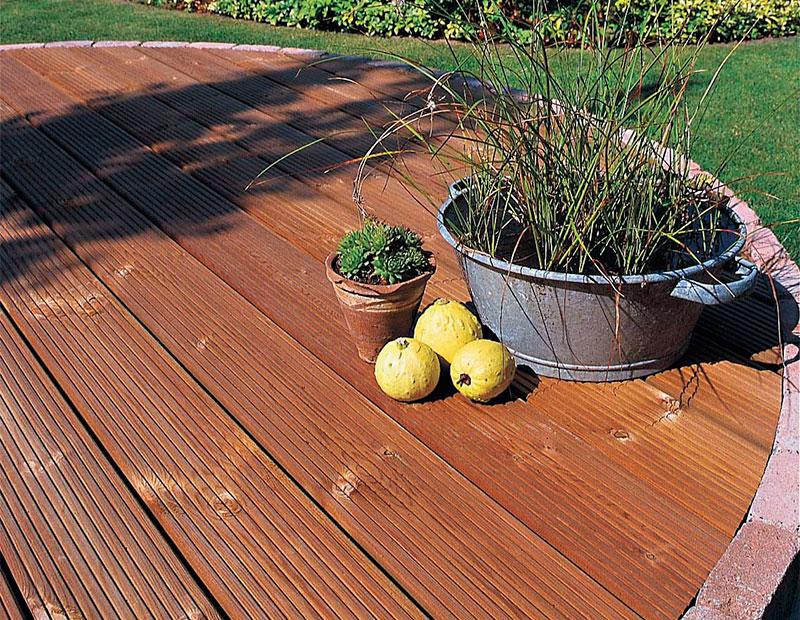 terrasse en bois pin Thermowood