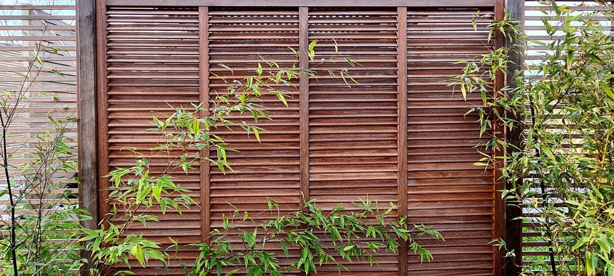 Persienne de jardin en bois exotique