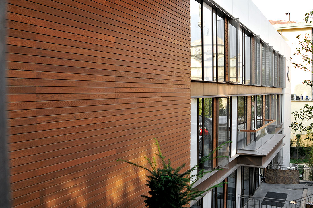 bardage façade en thermowood